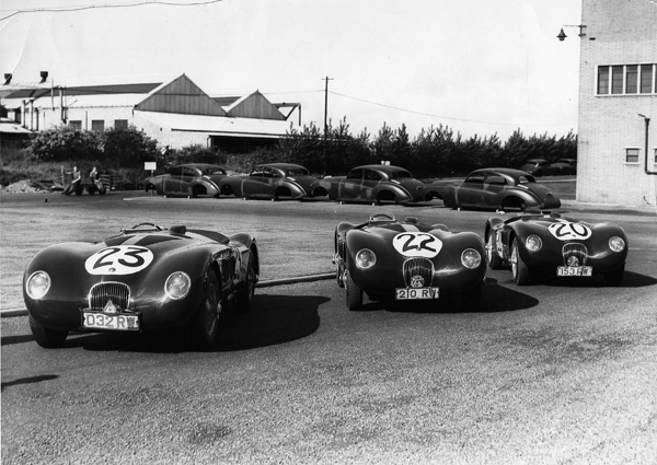 C-TYPE-1951-Le-Mans-Team-at-Swallow-Road