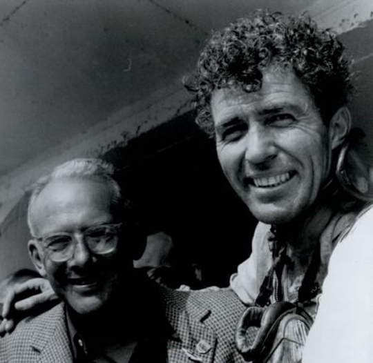 1959 Shelby tras ganar Le Mans, con Brown (dueño de Aston Martín)
