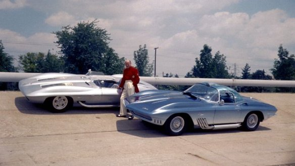 1959_corvette_stingray_1961_corvette_mako_shark