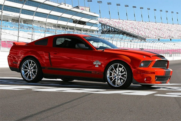 2008 ford mustang gt500 super snake coches clasicos de hoy. Black Bedroom Furniture Sets. Home Design Ideas