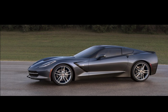 2014-Chevrolet-Corvette-C7-Stingray-gallery-3