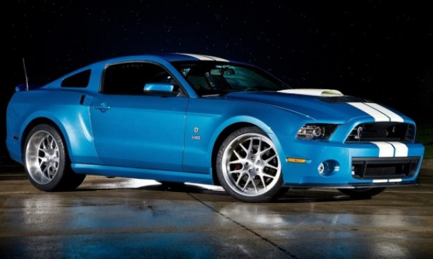 ford-mustang shelby gt500 cobra 2013