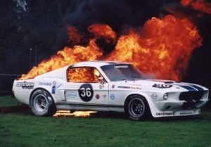 motor_cars_in_flames_640_09.jpg