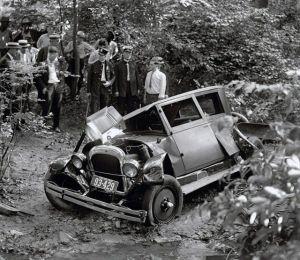 retro_vintage_car_accidents_640_11.jpg