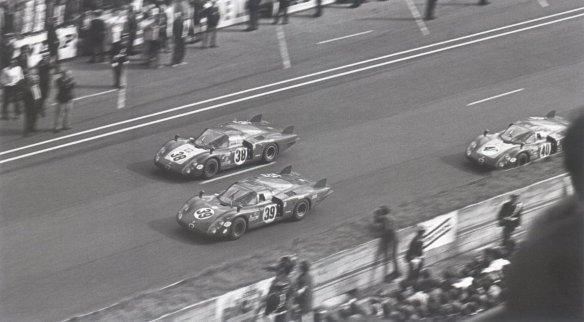 1968 alfas cruzando la meta lemans 68