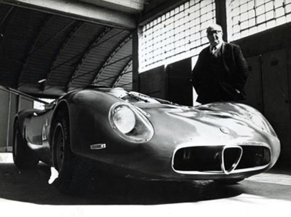 Alfa Roemo 33 'Periscopica' y Carlo Chiti
