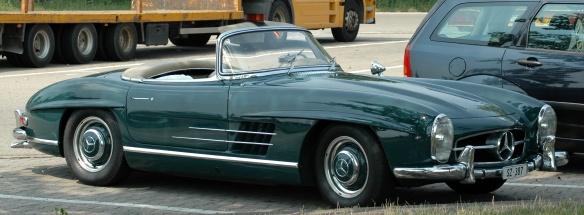 Mercedes-Benz_300_SL_Roadster_(226875491)