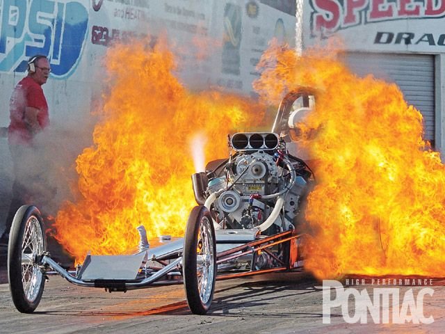 hppp_0912_15_z+11th_annual_pontiac_heaven+fire_burnout