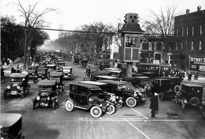 1910 Primer sistema patentado de semáforos de EEUU