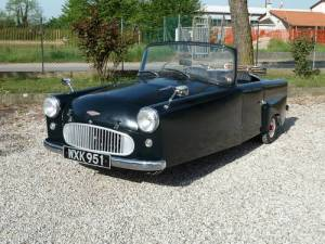 1959-bond-car-spider-three-wheeler-with-250-cc-engine.jpg