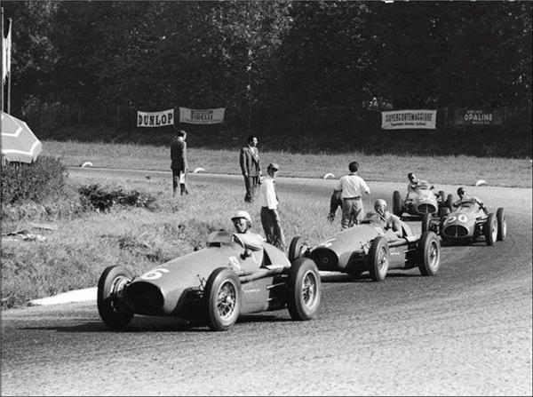 1953 GP Italia - Monza (Giuseppe Farina Ferrari 500, Alberto Ascari Ferrari 500, Juan-Manuel Fangio Maserati A6GCM-53, Felice Bonetto Maserati A6GCM)