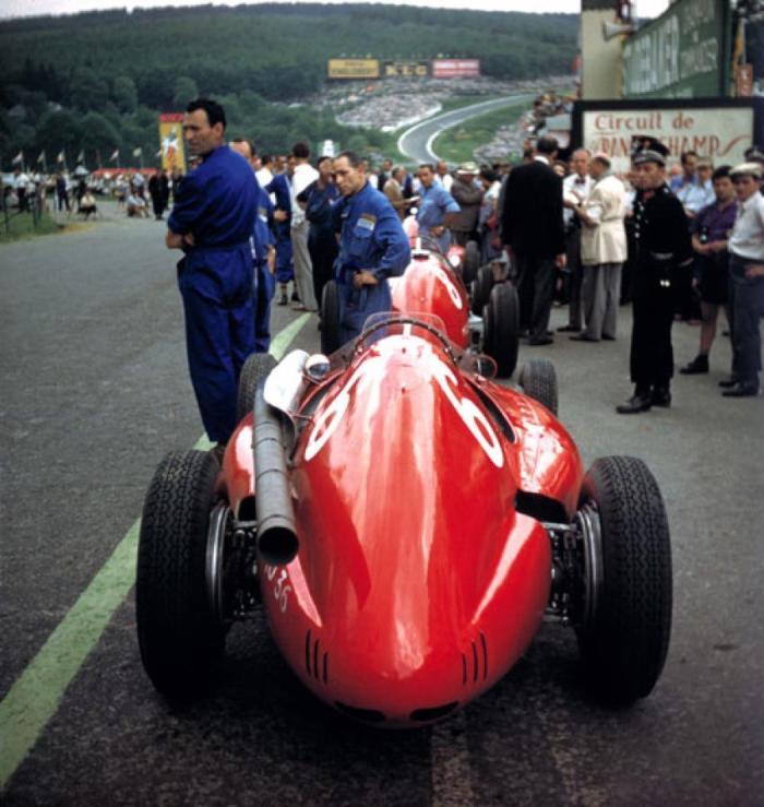 GP Belgica 1954 - 6, José Froilán Gonzalez (Ferrari 553), 8 Maurice Trintignant (Ferrari 625) - SPA Francorchamps