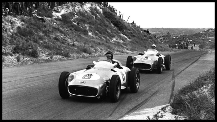 1955 GP de Holanda Juan Manuel Fangio y Stirling Moss Mercedes Benz W196 - Copyright LAT Photographic