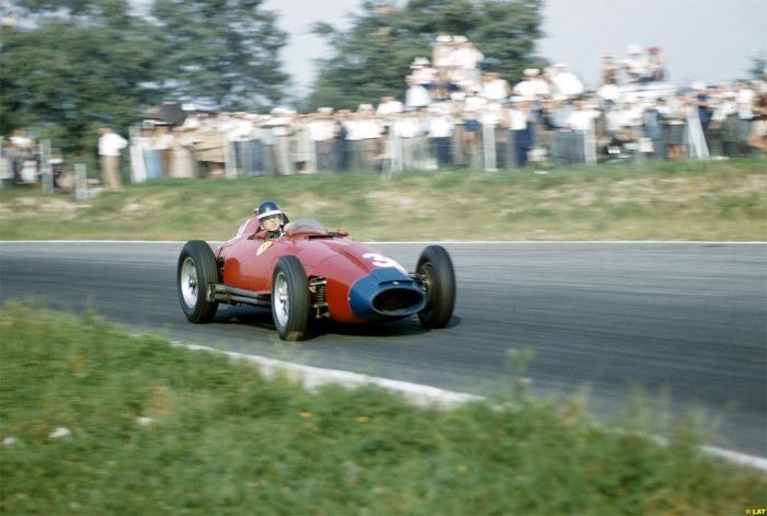 GP de Italia Mike Hawthorn - Scuderia Ferrari - Lancia Ferrari 801