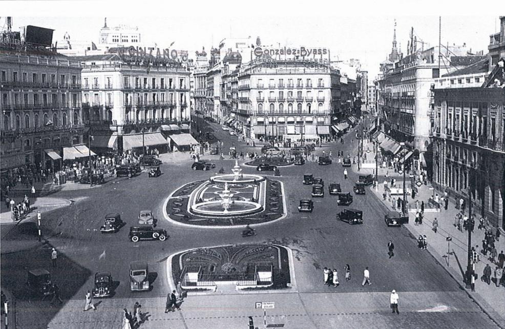 1950s puerta del sol madrid coches clasicos de hoy for Puerta del sol hoy