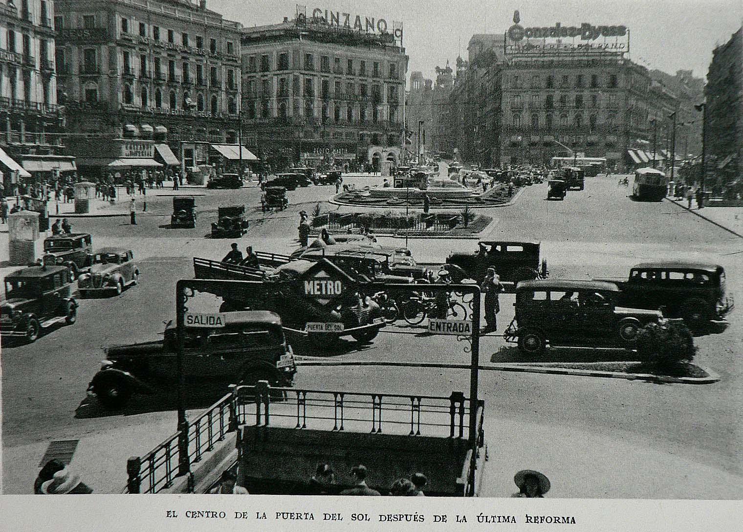 1954 puerta del sol madrid coches clasicos de hoy for Puerta del sol hoy