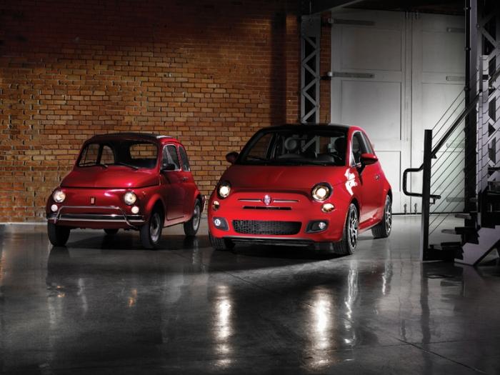 Fiat 500 moderno y clásico