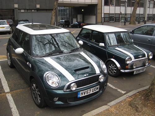Mini cooper moderno y cl sico coches clasicos de hoy for Futuro del classico