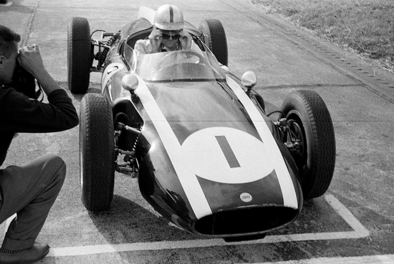 1960-jack-brabham-cooper-climax-t53.jpg