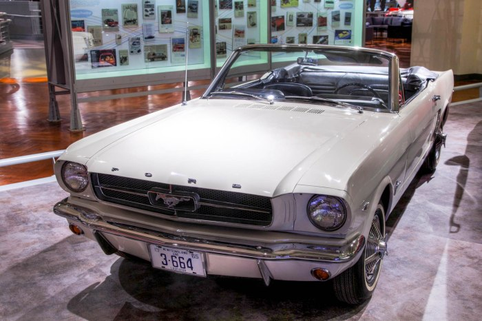 Ford Mustang serial-number one
