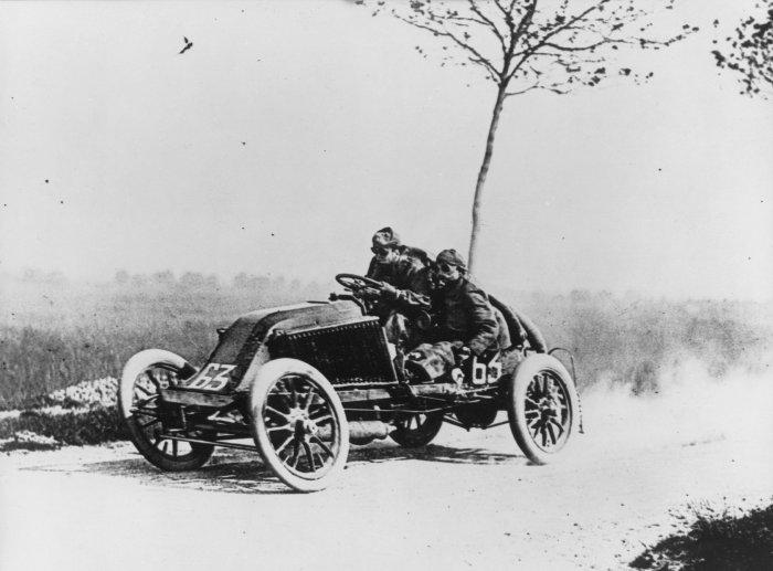 Marcel Renault en la París-Madrid de 1903