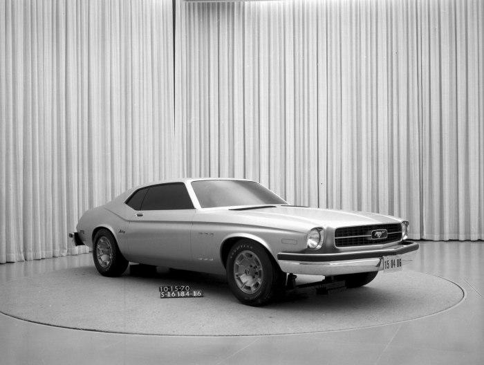 1970 S-16184-16 Mustang-II concept
