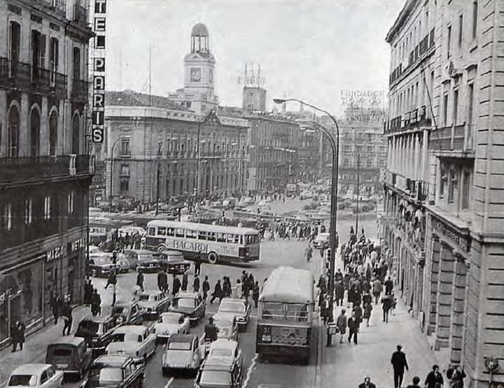 1971 madrid sol coches clasicos de hoy for Puerta del sol historia
