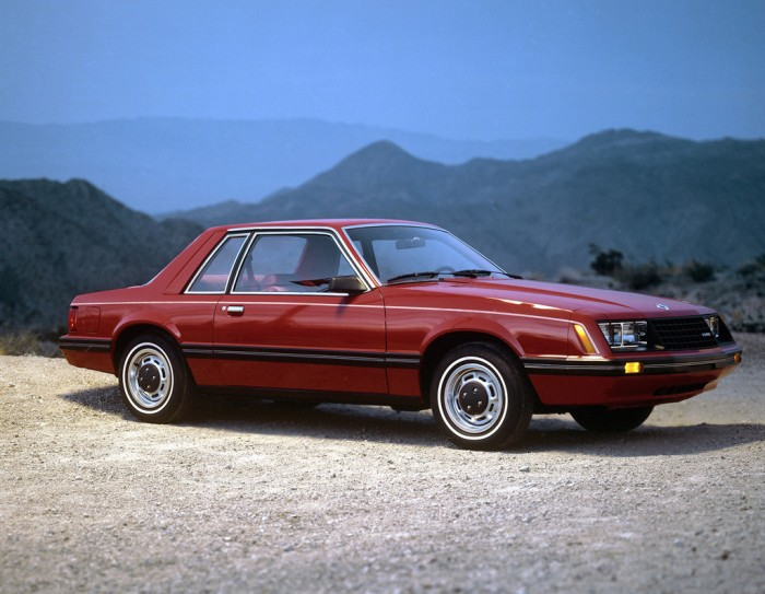 1980_ford_mustang-01