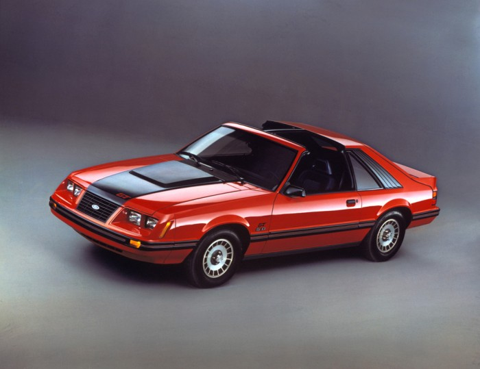 1983_ford_mustang GT T-Top