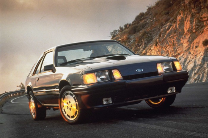 1986_ford_mustang-01