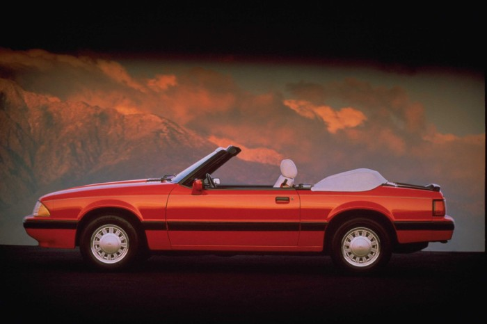 1989_ford_mustang