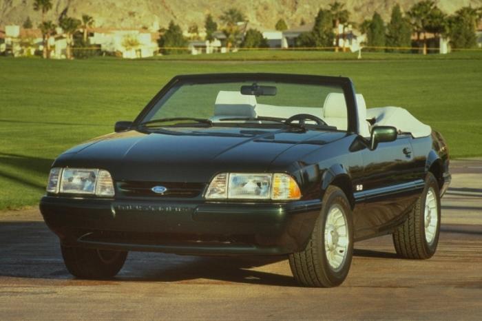 1990_Mustang_Ford_manu-02-800