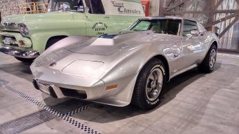 chevrolet-corvete-c3-stingray-l82
