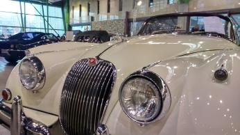 jaguar-xk-150-2